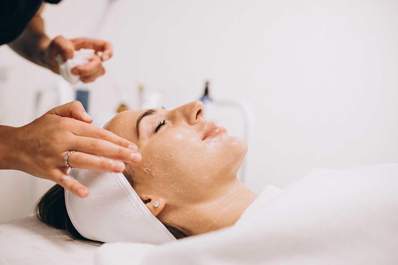 tratamientos-tratamientos faciales-higiene facial delux-lovely beautee-centro estético Málaga