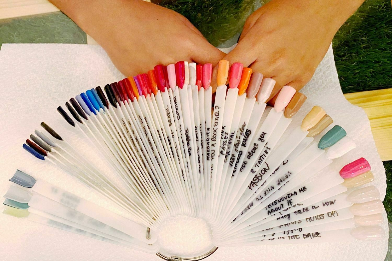 manicura-espress-tratamiento-belleza-absoluta-manos-pies-lovely-beautee-centro-estetico-malaga