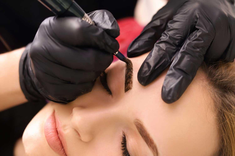 Tratamiento-microblanding-embellecimiento-mirada-cejas-tratamientos-facial-beautee-lovely-beautee-centro-estetico-malaga